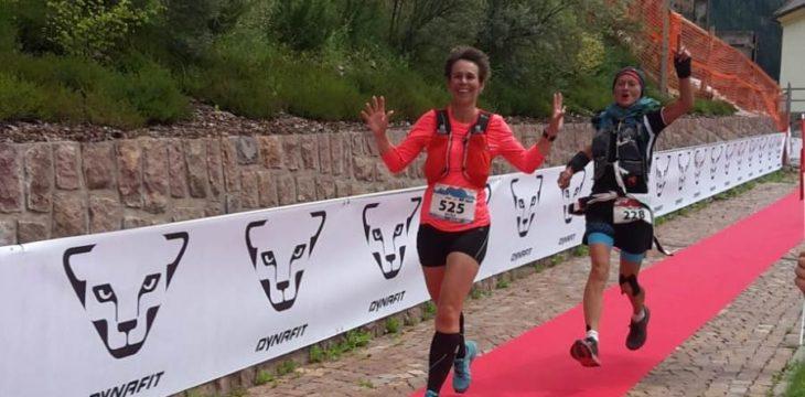 Nicole Hobein bestreitet Trailrun in den Bergen